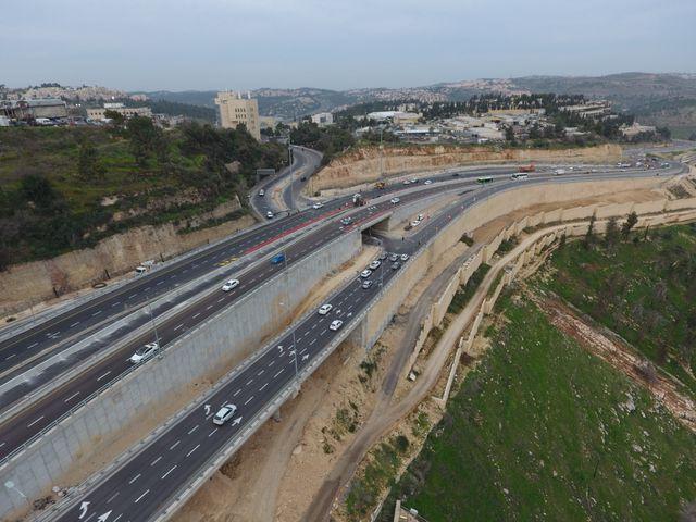 בהשקעה של כ-330 מיליון שקל: נפתחו לתנועה נתיבי הנסיעה החדשים של היציאה מירושלים על מחלף סחרוב