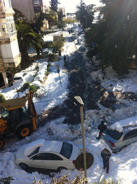 ירושלים בשלג פתיחת צירי תנועה בירושלים בשכונת יפה נוף