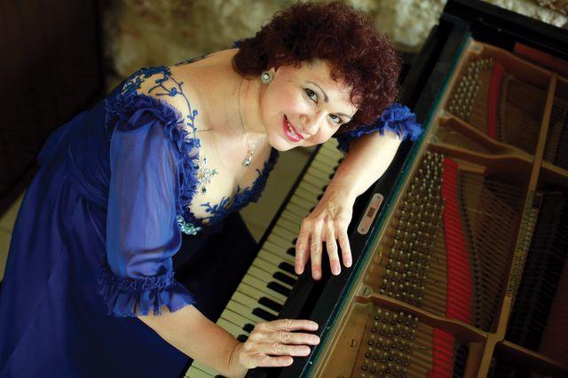 אסתרית בלצן עם הסימפונית ירושלים סדרת קונצרטים חדשה בימי שישי צילום דניאל בר און_640x426