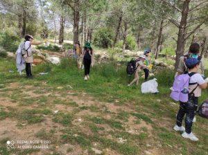 אלפי ילדים ובני נוער ירושלמים במבצע נקיון שטחי הטבע בעיר_640x478