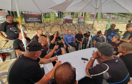 שביתת הרעב של בעלי האולמות וגני האירועים מול משרד ראש הממשלה